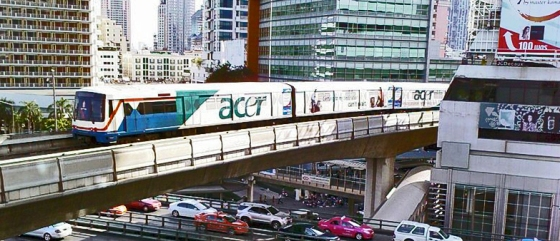 BTS_Skytrain_over_Sala_Daeng_Intersection