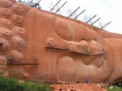 Best Travel And Vacation In China - Giant Buddha - Statue Renovation